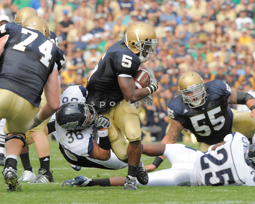 ARMANDO ALLEN, of the University of Notre Dame Irish , in action during the Irish game against the University of Nevada Wolf Pack in South Bend, IN, on September 05, 2009.  Notre Dame  wins 35-0.
