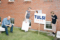 People wait for the arrival of Democratic presidential candidate and Hawaii representative (D-HI 2nd) Tulsi Gabbard at a campaign event at Weare Public Library in Weare, New Hampshire, on Thu., September 5, 2019.