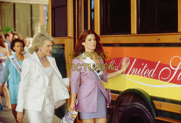 Candice Bergen & Sandra Bullock .in Miss Congeniality .*Filmstill - Editorial Use Only*.CAP/NFS.Supplied by Capital Pictures.