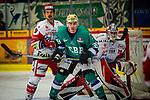 Matt MCKNIGHT (#39 Bietigheim Steelers) \Felix THOMAS (#4 Eispiraten Crimmitschau) \Brett KILAR (#35 Eispiraten Crimmitschau) \ beim Spiel in der DEL2, Bietigheim Steelers (dunkel) -  Eispiraten Crimmitschau (hell).<br /> <br /> Foto &copy; PIX-Sportfotos *** Foto ist honorarpflichtig! *** Auf Anfrage in hoeherer Qualitaet/Aufloesung. Belegexemplar erbeten. Veroeffentlichung ausschliesslich fuer journalistisch-publizistische Zwecke. For editorial use only.