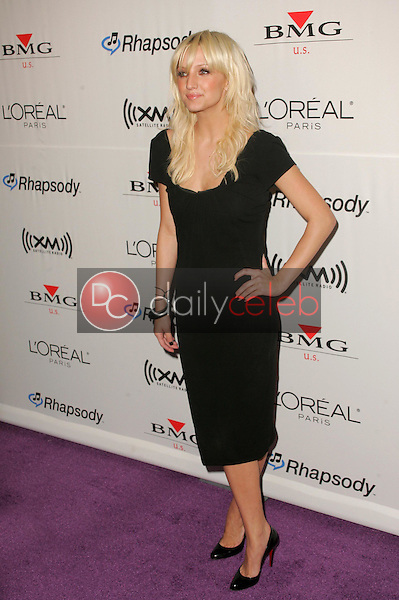 Ashlee Simpson<br />at Clive Davis's Annual Pre Grammy Extravaganza. the Beverly Hilton, Beverly Hills, CA. 02-07-06<br />Dave Edwards/DailyCeleb.com 818-249-4998