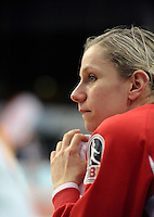 1. Bundesliga Handball Frauen - Punktspiel HC Leipzig (HCL) : DJK / MJC Trier - Arena Leipzig - im Bild: Verfolgt jede Bewegung auf dem Feld - HCL Torfrau Katja Schülke. Foto: Norman Rembarz ..