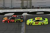 Monster Energy NASCAR Cup Series<br /> Daytona 500<br /> Daytona International Speedway, Daytona Beach, FL USA<br /> Sunday 18 February 2018<br /> Martin Truex Jr., Furniture Row Racing, Bass Pro Shops/5-hour ENERGY Toyota Camry, Ryan Blaney, Team Penske, Menards/Peak Ford Fusion.<br /> World Copyright: John K Harrelson<br /> LAT Images