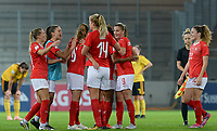 20181009 – BIEL BIENNE , SWITZERLAND : Swiss players pictured celebrating their qualification during the female soccer game between Switzerland and the Belgian Red Flames , the second leg in the semi finals play offs for qualification for the World Championship in France 2019 ; the first leg ended in equality 2-2 ;  Tuesday 9 th october 2018 at The Tissot Arena  in BIEL BIENNE , Switzerland . PHOTO SPORTPIX.BE | DAVID CATRY