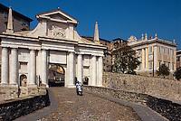 Italien, Lombardei, Stadttor von Bergamo