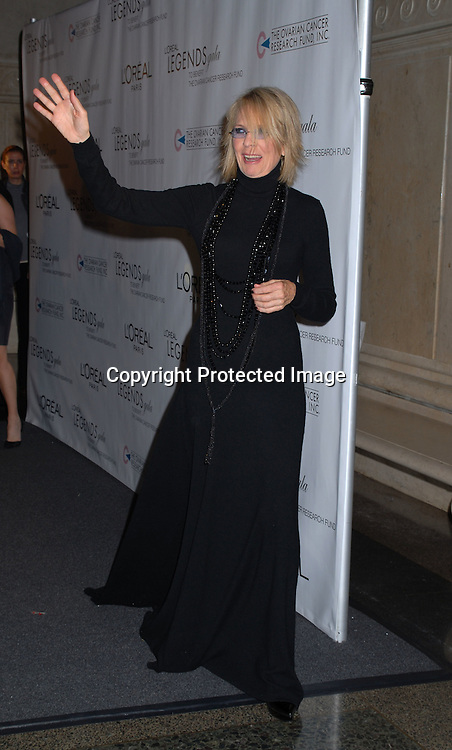 Diane Keaton ..arriving at The Ovarian Cancer Research Fund L'Oreal Legends Gala on November 8, 2006 at The American Museum of Natural History. ..Robin Plater, Twin Images