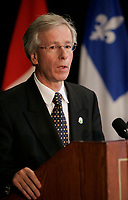 Stephane Dion<br /> Minsitre de l'environement, canada<br /> Environment Minister, canada<br /> Photo : (c) 2005 Pierre Roussel
