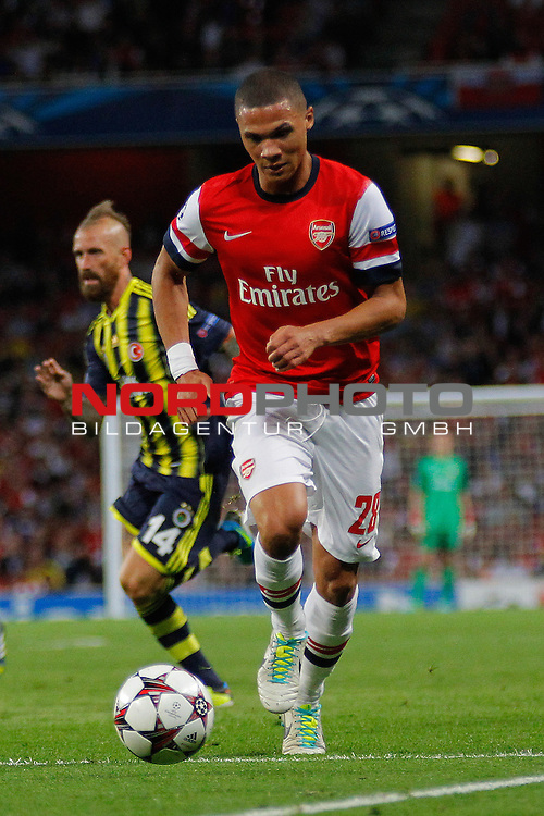 LONDON, ENGLAND - August 27: Arsenal's Kieran Gibbs  runs with the ball during the UEFA Champions League Qualification round match between Arsenal from England and Fenerbahce from Turkey played at The Emirates Stadium, on August 27, 2013 in London, England.   Foto © nph / Mitchell Gunn *** Local Caption ***