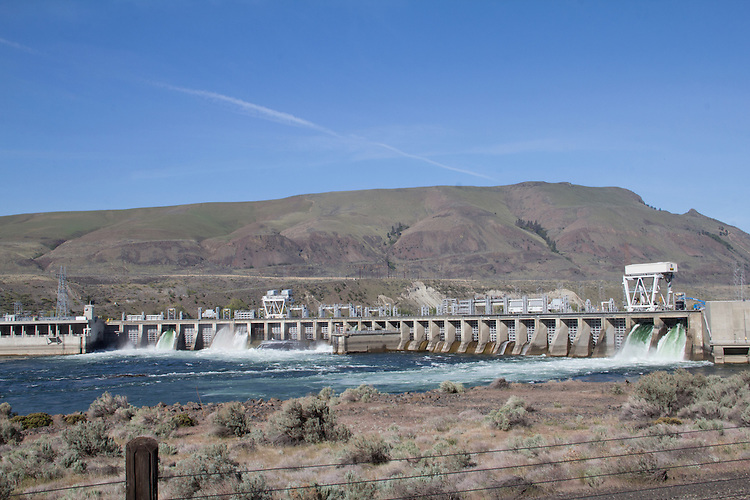 Columbia River, Rock Island Dam, Chelan County Public Utility District, Chelan County, Eastern Washington, Washington State, Pacific Northwest, United States,
