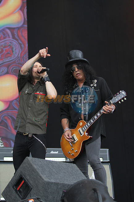 Slash plays on day 3 of the Oxegen Festival, Punchestown, Co.Kildare...(Photo credit should read Jenny Matthews www.newsfile.ie)....This Picture has been sent you under the conditions enclosed by:.Newsfile Ltd..The Studio,.Millmount Abbey,.Drogheda,.Co Meath..Ireland..Tel: +353(0)41-9871240.Fax: +353(0)41-9871260.GSM: +353(0)86-2500958.email: pictures@newsfile.ie.www.newsfile.ie.