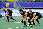 The Hague, Netherlands, June 08: Players of New Zealand lined up for a penalty corner during the field hockey group match (Men - Group B) between the Black Sticks of New Zealand and Germany on June 8, 2014 during the World Cup 2014 at Kyocera Stadium in The Hague, Netherlands.  Final score 3-5 (1-3) (Photo by Dirk Markgraf / www.265-images.com) *** Local caption *** Shea McAleese #25 of New Zealand