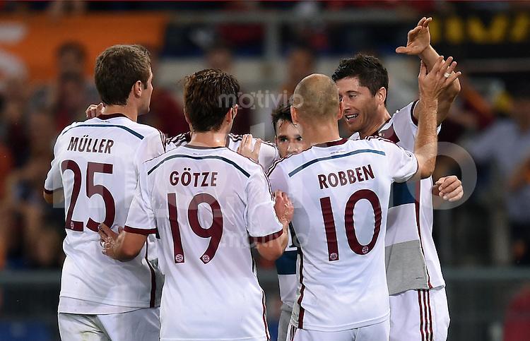 FUSSBALL   CHAMPIONS LEAGUE   SAISON 2014/2015   Vorrunde AS Rom - FC Bayern Muenchen        21.10.2014 Torjubel Thomas Mueller, Mario Goetze, Arjen Robben und Robert Lewandowski (v.l., alle FC Bayern Muenchen)