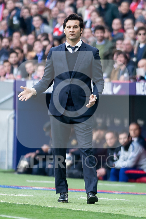Coach Santiago Solari of Real Madrid during La Liga match between Atletico de Madrid and Real Madrid at Wanda Metropolitano in Madrid Spain. February 09, 2018. (ALTERPHOTOS/Borja B.Hojas)