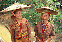 Iban Women in traditional dress<br /> Borneo<br /> Indonesia, W. Kalimantan, Benua Marinus<br /> September 1997