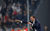 Calcio, Serie A: Juventus Stadium. Torino, Juventus Stadium, 29 ottobre 2016.<br /> Juventus coach Massimiliano Allegri gives indications to his players during the Italian Serie A football match between Juventus and Napoli at Turin's Juventus Stadium, 29 October 2016. Juventus won 2-1.<br /> UPDATE IMAGES PRESS/Isabella Bonotto