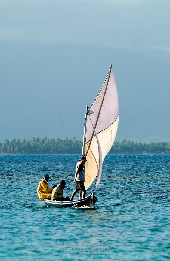 Traditional sailboat, Comarca De Kuna Yala, San Blas Islands, Panama