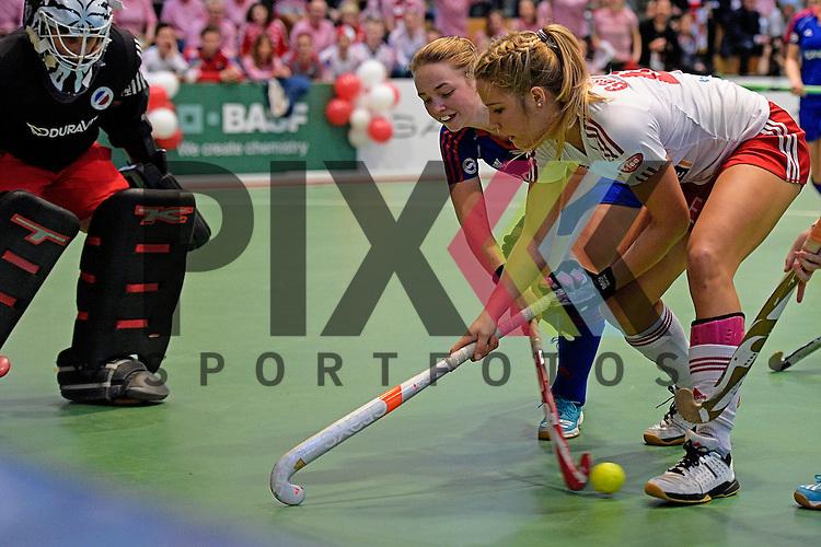 GER - Luebeck, Germany, February 06: During the 1. Bundesliga Damen indoor hockey semi final match at the Final 4 between Rot-Weiss Koeln (white) and Mannheimer HC (blue) on February 6, 2016 at Hansehalle Luebeck in Luebeck, Germany. Final score 1-2 (HT 0-2).   (L-R) Nadine Stelter #13 of Mannheimer HC, Sophia Willig #9 of Mannheimer HC, Hannah Gablac #48 of Rot-Weiss Koeln<br /> <br /> Foto &copy; PIX-Sportfotos *** Foto ist honorarpflichtig! *** Auf Anfrage in hoeherer Qualitaet/Aufloesung. Belegexemplar erbeten. Veroeffentlichung ausschliesslich fuer journalistisch-publizistische Zwecke. For editorial use only.