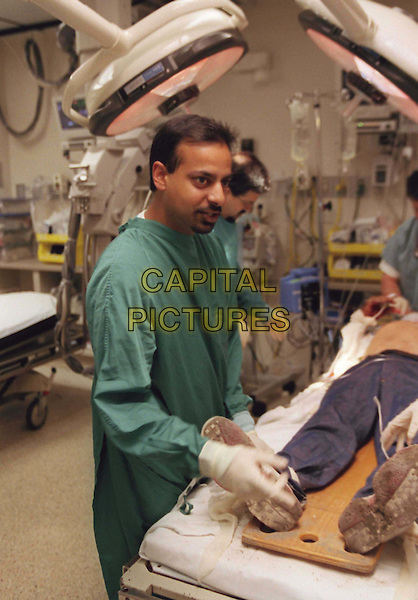 Houston Medical .Follows a cast of continuing real life characters (doctors, nurses, patients) whose stories are woven from one episode to the next, in a dramatic rather than documentary fashion. .Filmstill - Editorial Use Only.Ref: FB.www.capitalpictures.com.sales@capitalpictures.com.Supplied by Capital Pictures