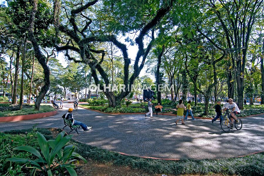 Praça central de São José dos Campos. São Paulo. 2006. Foto de Juca Martins