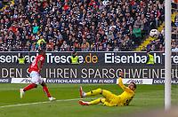 Anthony Ujah (1. FSV Mainz 05) erzielt das Tor zum 0:1 - 12.05.2019: Eintracht Frankfurt vs. 1. FSV Mainz 05, 33. Spieltag Bundesliga, Commerzbank Arena, DISCLAIMER: DFL regulations prohibit any use of photographs as image sequences and/or quasi-video.