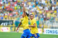 ATENÇÃO EDITOR FOTO EMBARGADA PARA VEÍCULOS INTERNACIONAIS - SAO PAULO, SP, 09 DE DEZEMBRO DE 2012 - TORNEIO INTERNACIONAL CIDADE DE SÃO PAULO - BRASIL x PORTUGAL: Giovania comemora o quarto gol do Brasil durante partida Brasil x Portugal, válido pelo Torneio Internacional Cidade de São Paulo de Futebol Feminino, realizado no estádio do Pacaembú em São PauloFOTO: LEVI BIANCO - BRAZIL PHOTO PRESS