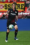 14.04.2018, BayArena, Leverkusen , GER, 1.FBL., Bayer 04 Leverkusen vs. Eintracht Frankfurt<br /> im Bild / picture shows: <br /> Lars Bender (Leverkusen #8), Einzelaktion, Ganzk&ouml;rper / Ganzkoerper,  <br /> <br /> <br /> Foto &copy; nordphoto / Meuter