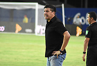 MONTERÍA- COLOMBIA, 24-02-2020:Juan Cruz Real director técnico de Jaguares de Córdoba  gesticula durante partido entre Jaguares de Córdoba y Alianza Petrolera  por la fecha 6 de la Liga BetPlay I 2020 jugado en el estadio Jaraguay Municipal  de la ciudad de  Montería. /Juan Cruz Real coach of Jaguares of Cordoba gestures during match between Jaguares of Cordoba and Alianza Petrolera  for the date 6 as part of BetPlay League I 2020 played at Jaraguay Municipal  stadium in Monteria. Photo: VizzorImage / Andrés Felipe López / Cont /