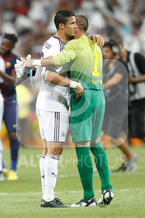 Real Madrid's Cristiano Ronaldo and F.C. Barcelona's Victor Valdes during Spanish Supercup 2nd match on august 29 2012...Photo: Cebola / Cid-Fuentes / ALFAQUI