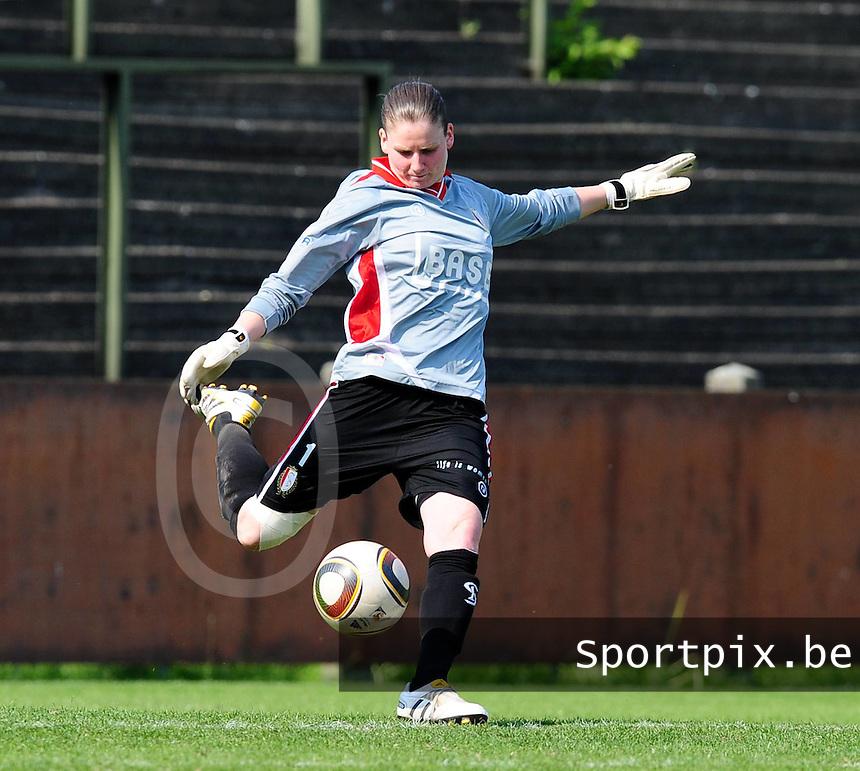 RSC Anderlecht Dames - Standard Femina : Standard kampioen 2010 - 2011 : Sofie Van Houtven.foto DAVID CATRY / Vrouwenteam / Loft6