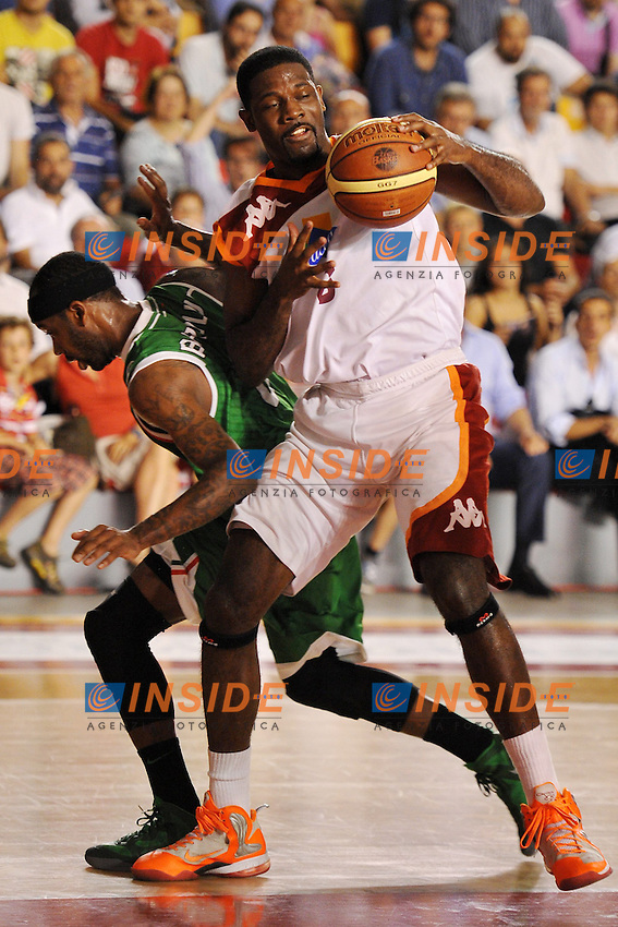 Bobby Jones Roma Bobby Brown Siena<br /> 19/06/2013 Roma, Palatiziano<br /> Play Off Basket, finali gara 5.<br /> Acea Virtus Roma vs Montepaschi Siena<br /> Foto Antonietta Baldassarre / Insidefoto