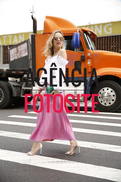 Street Style<br /> <br /> New York - Ver&atilde;o 2017<br /> <br /> Setembro 2016<br /> <br /> Leo Faria/FOTOSITE