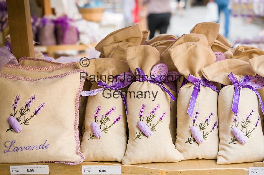 France, Provence-Alpes-Côte d'Azur, Grasse: lavender aroma bags for souvenirs | Frankreich, Provence-Alpes-Côte d'Azur, Grasse: Lavendel-Duftsaeckchen als Andenken