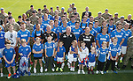 Rangers army visit in Germany - Rangers players with the soldiers and families based nearby