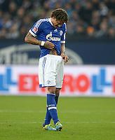 FUSSBALL   1. BUNDESLIGA   SAISON 2013/2014   12. SPIELTAG FC Schalke 04 - SV Werder Bremen                           09.11.2013 Jermaine Jones (FC Schalke 04) auf der Suche
