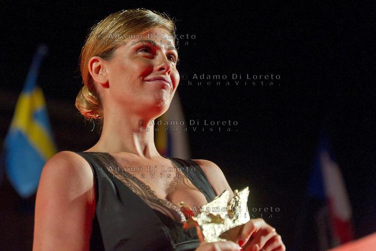 Pescara 14/07/2013: 40a Edizione del Film Festival Ennio Flaiano. In foto Vanessa Incontrada, ritira il Pegaso d'Oro. foto credit Adamo Di Loreto/BuenaVista*photo