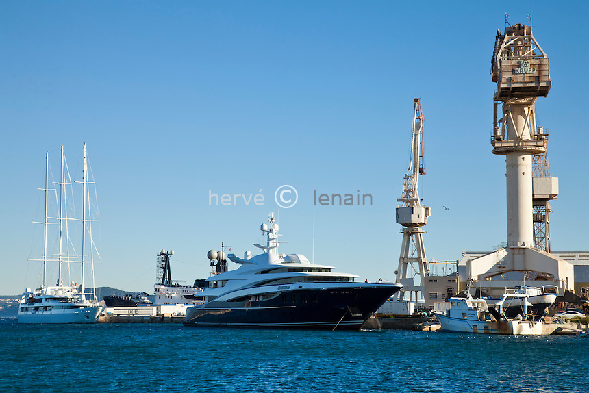 France, Bouches-du-Rhône (13), la Ciotat, chantiers navals spécialisés dans la construction des yachts // France, Bouches du Rhone, la Ciotat, shipyards specialized in the construction of yachts