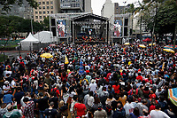 SÃO PAULO, SP 02.06.2019: FESTIVAL LULA LIVRE-SP - No palco Everson Pessoa. Artistas e militantes se uniram no Festival Lula Livre, que aconteceu na tarde deste domingo (02) na Praça da República, zona central da capital paulista, em protesto contra a prisão do ex-presidente Lula. (Foto: Ale Frata/Codigo19)