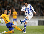 Real Sociedad's Carlos Vela (r) and FC Barcelona's Javier Mascherano during La Liga match. April 9,2016. (ALTERPHOTOS/Acero)