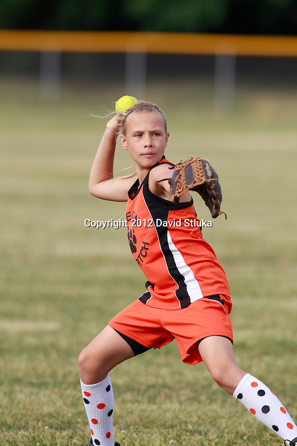 Oregon U10 Fast Pitch Soft on June 13, 2012 in Oregon, Wisconsin. (Photo by David Stluka)