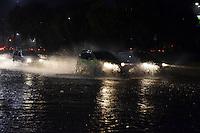 CAMPINAS,SP - 23.03.2016 - CLIMA-SP - Devido as fortes chuvas que caíram sobre a cidade de Campinas, interior do estado de São Paulo, na noite dessa quarta-feira, 23, houve alagamento parcialmente intransitável na Avenida Norte-Sul esquina com a Avenida Orozimbo Maia (Foto: Eduardo Carmim / Brazil Photo Press)