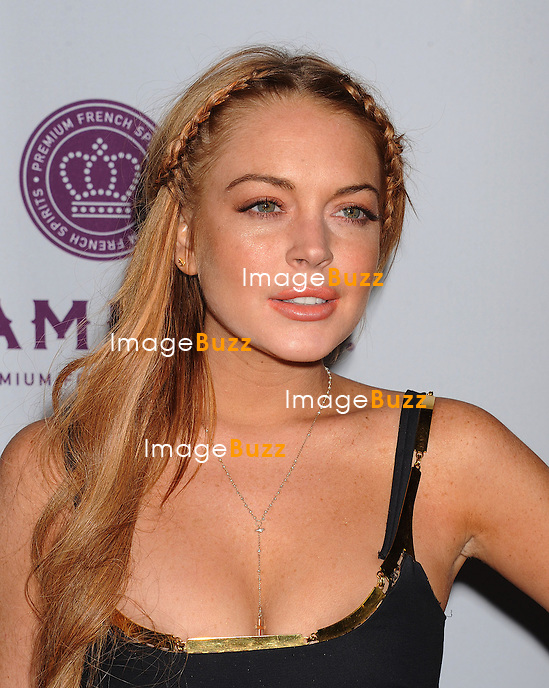 Lindsay Lohan arrives at the 'Scary Movie V' - Los Angeles Premiere at ArcLight Cinemas Cinerama Dome on April 11, 2013 in Hollywood, California
