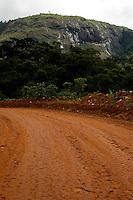 Sao Joao de Manhuacu_MG, Brasil...Rota Imperial, antiga estrada Dom Pedro de Alcantra em Sao Joao de Manhuacu, Minas Gerais...The Royal Imperial Route, know as Dom Pedro de Alcantara Road in Sao Joao de Manhuacu, Minas Gerais...Foto: BRUNO MAGALHAES / NITRO