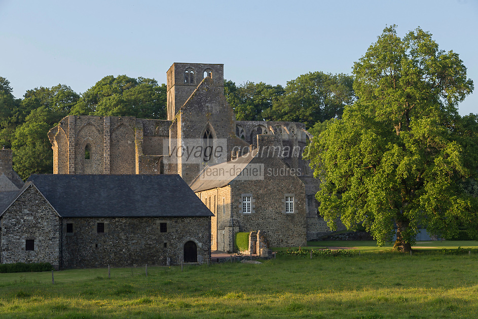 France, Manche (50), Cotentin,Hambye: Abbaye de Hambye, L'abbaye Notre-Dame de Hambye est une abbaye bénédictine // France, Manche, Cotentin, Hambye: Hambye abbey is a Benedictine medieval monastery located in the countryside of Normandy