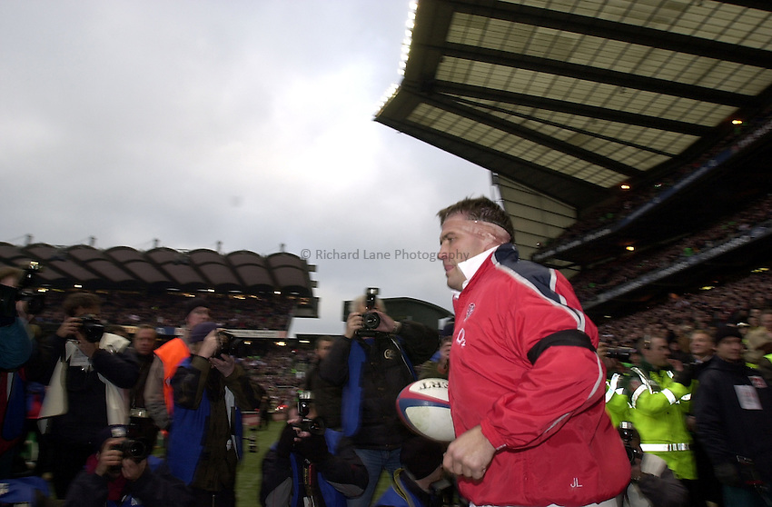 Photo. Richard Lane. .England v France at Twickenham. RBS Six Nations Championship. 15/02/2003.Jason Leonard comes out for his 100th England cap.