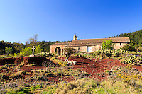 France, Hérault (34), Celles, chapelle de Clans au bord du lac du Salagou // France, Herault, Celles, Clans chapel close to Salagou lake