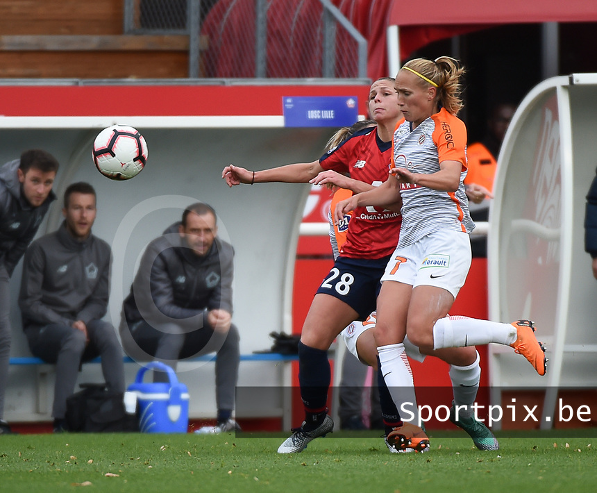 20181027 - CAMPHIN-EN-PEVELE , FRANCE : LOSC's Marine Dafeur (L) and Montpellier's Janice Cayman (R) pictured during the 8 th competition game between the women teams of Lille OSC and Montpellier Herault Sporting Club in the 2018-2019 season of the first Division - Ligue 1 at Domaine de Luchin , Saturday 27th Octobre 2018 ,  PHOTO Dirk Vuylsteke | Sportpix.Be