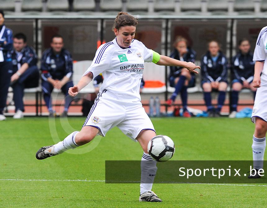 15 Mei 2010 Bekerfinale vrouwen : Sinaai Girls - RSC Anderlecht  : Anneleen Segers.foto DAVID CATRY / Vrouwenteam.be