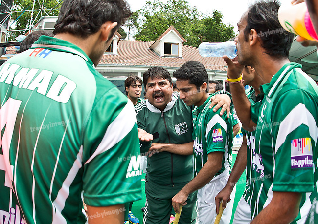28/06/2015<br /> HWL Semi Final Antwerp Belgium 2015<br /> Pakistan v France Men<br /> Pakistan coach Sheikh Shahnaz<br /> Photo: Grant Treeby