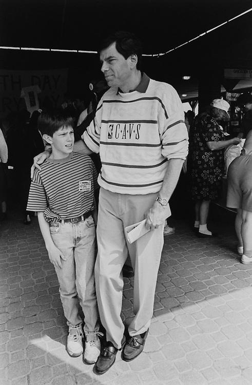 Democratic Senate Candidate Joel Hyatt and son Jared (age 10) at Cleveland Zoo at an Earth Day event in April 1994. (Photo by CQ Roll Call via Getty Images)