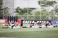 SÃO PAULO,SP, 21.10.2015 -TREINO CORINTHIANS-SP - Jogadores no aquecimento durante treino do Corinthians nesta quarta-feira 21 no CT Joaquim Grava zona leste de São Paulo. (Foto: Fernando Nascimento/Brazil Photo Press)